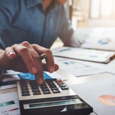 Đại lý thuế sẽ giúp doanh nghiệp tiến hành những công việc phức tạp